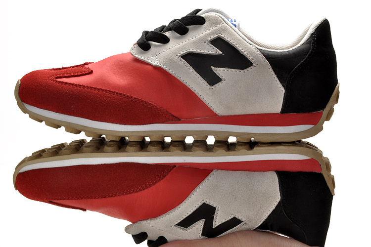 New Balance Sneakers Hip